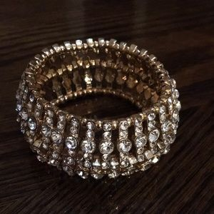 Jewelry - New listing 🎉Beautiful rhinestone bracelet